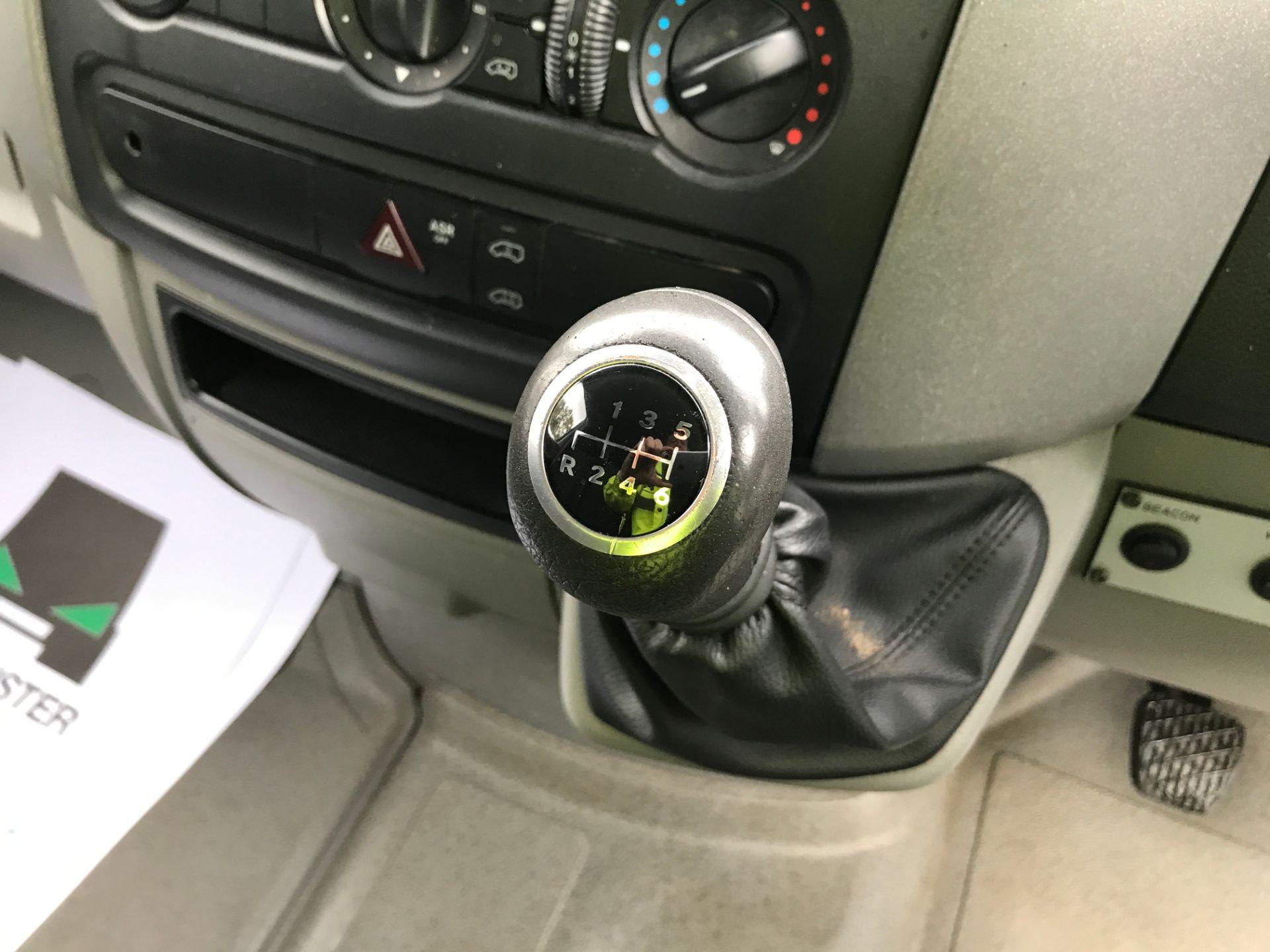 2017 Mercedes-Benz Sprinter 314CDI MWB HIGH ROOF 140PS EURO 6 (KK17BKJ) Image 4