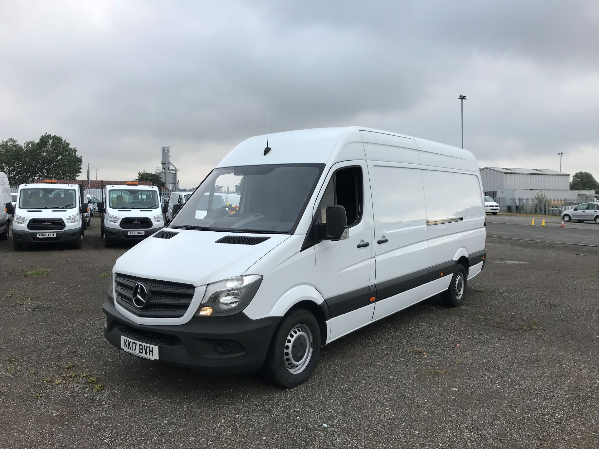 2017 Mercedes-Benz Sprinter 3.5T High Roof Van (KK17BVH) Image 8