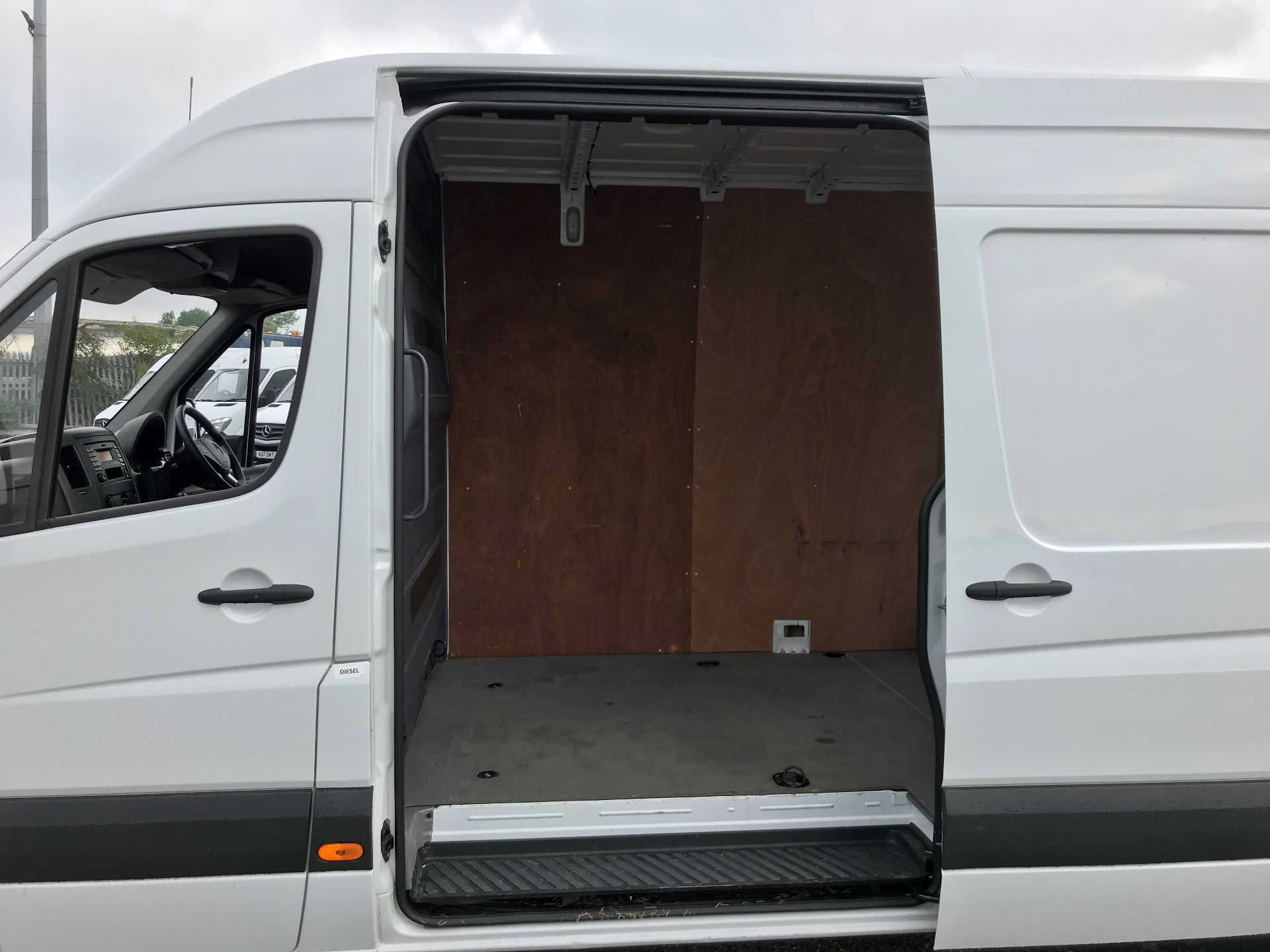 2017 Mercedes-Benz Sprinter 3.5T High Roof Van (KK17BVH) Image 17