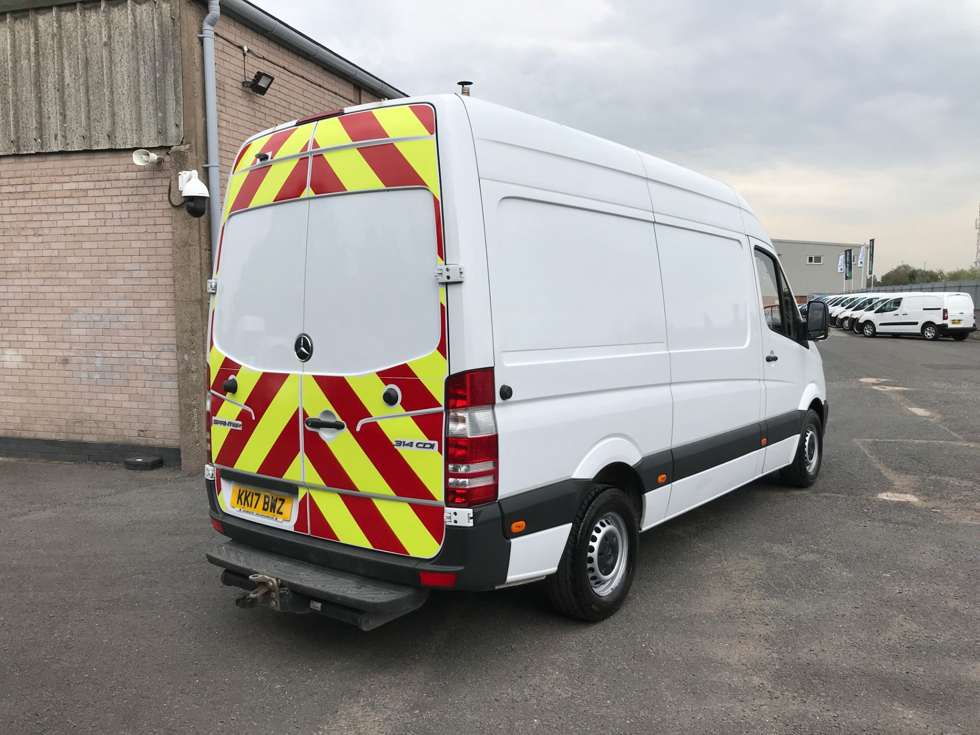 2017 Mercedes-Benz Sprinter 314CDI MWB HIGH ROOF 140PS EURO 6 (KK17BWZ) Image 8