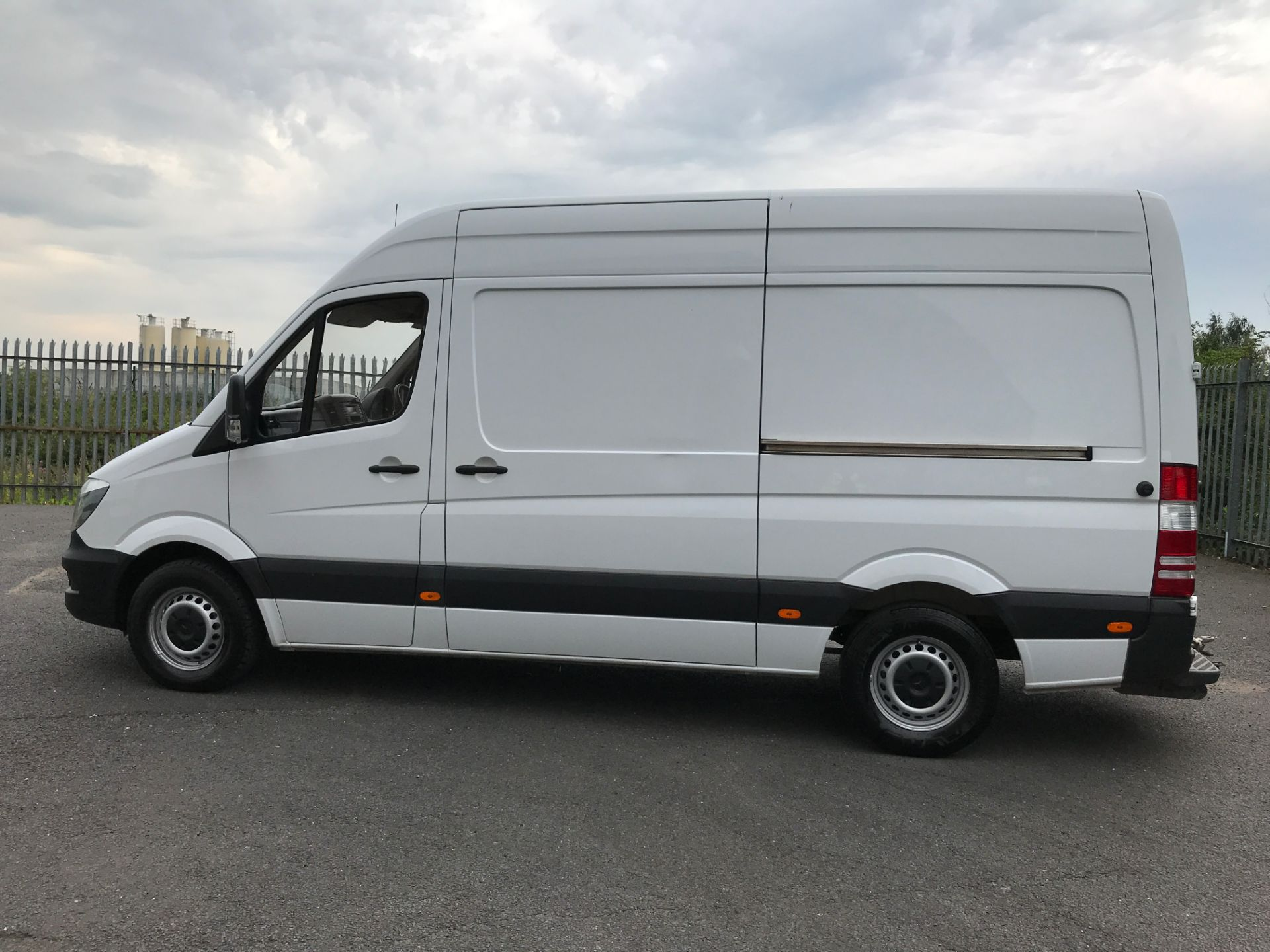 2017 Mercedes-Benz Sprinter 314CDI MWB HIGH ROOF 140PS EURO 6 (KK17BWZ) Image 11