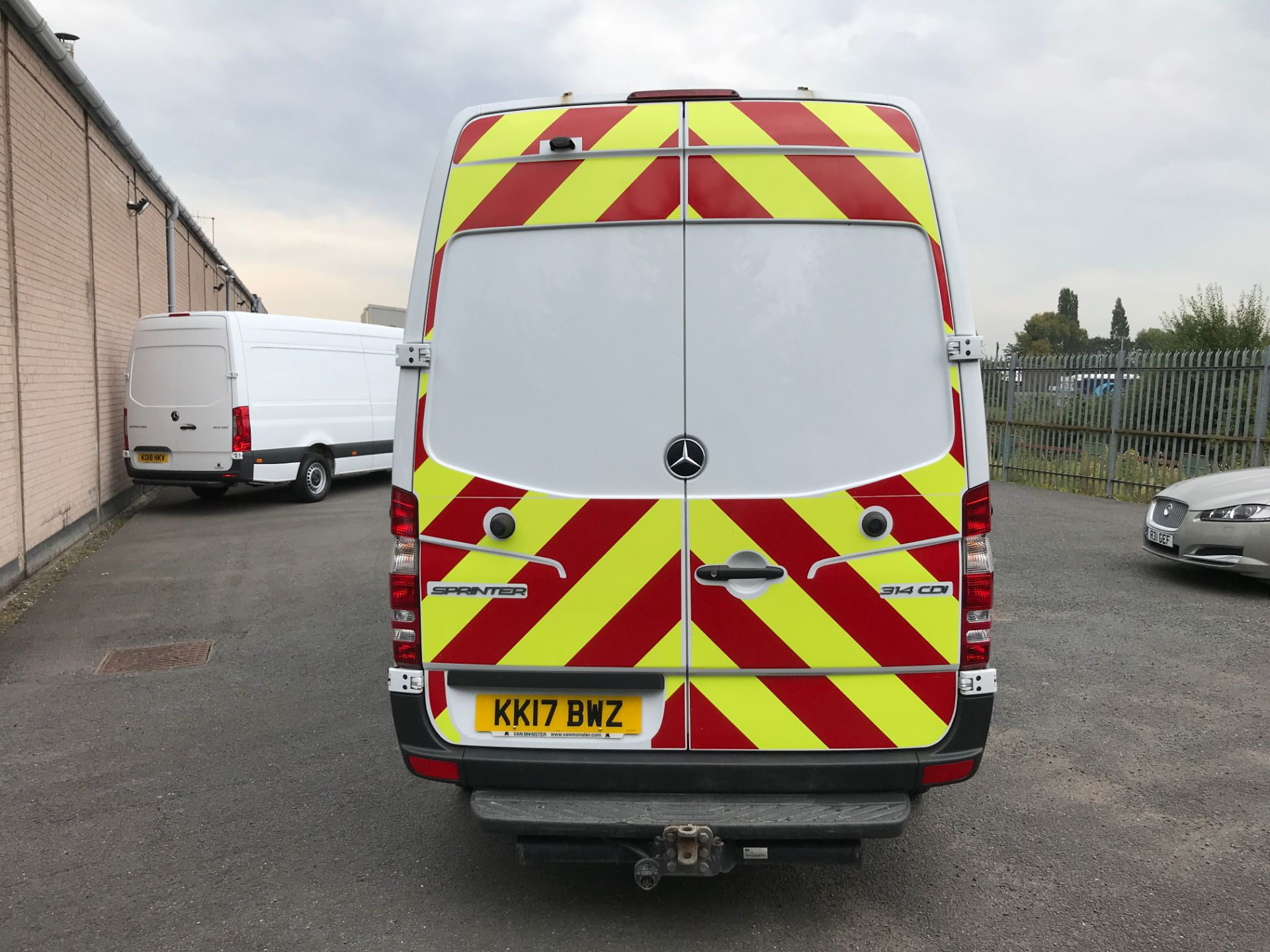 2017 Mercedes-Benz Sprinter 314CDI MWB HIGH ROOF 140PS EURO 6 (KK17BWZ) Image 9