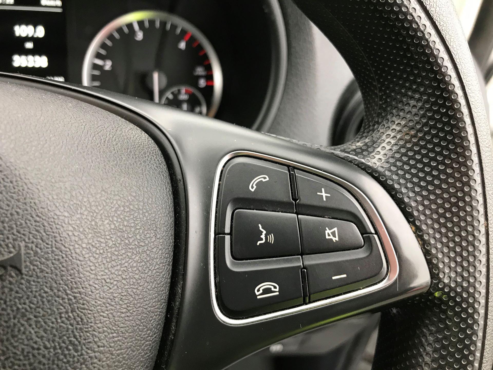 2017 Mercedes-Benz Vito LONG 111CDI VAN EURO 6  (KK17JXV) Image 24