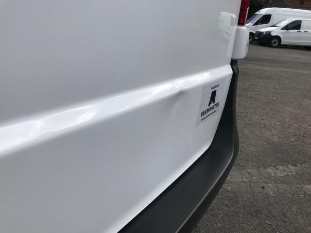 2017 Mercedes-Benz Vito 111Cdi Van LWB Euro 6 (KK17JXZ) Image 41