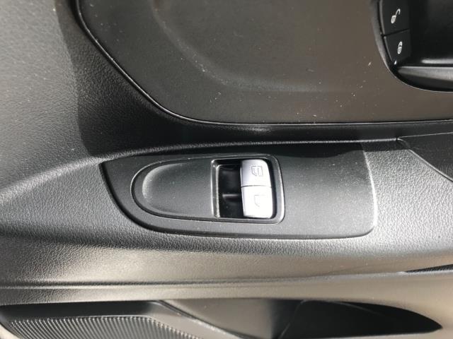 2017 Mercedes-Benz Vito 111Cdi Van LWB Euro 6 (KK17JXZ) Image 20