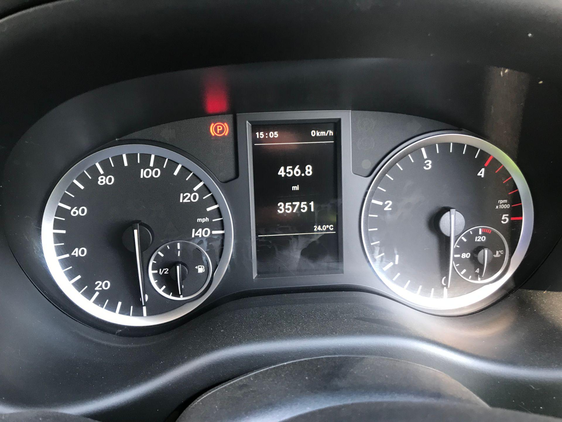 2017 Mercedes-Benz Vito LONG 111CDI VAN EURO 5/6  (KK17KBX) Image 23