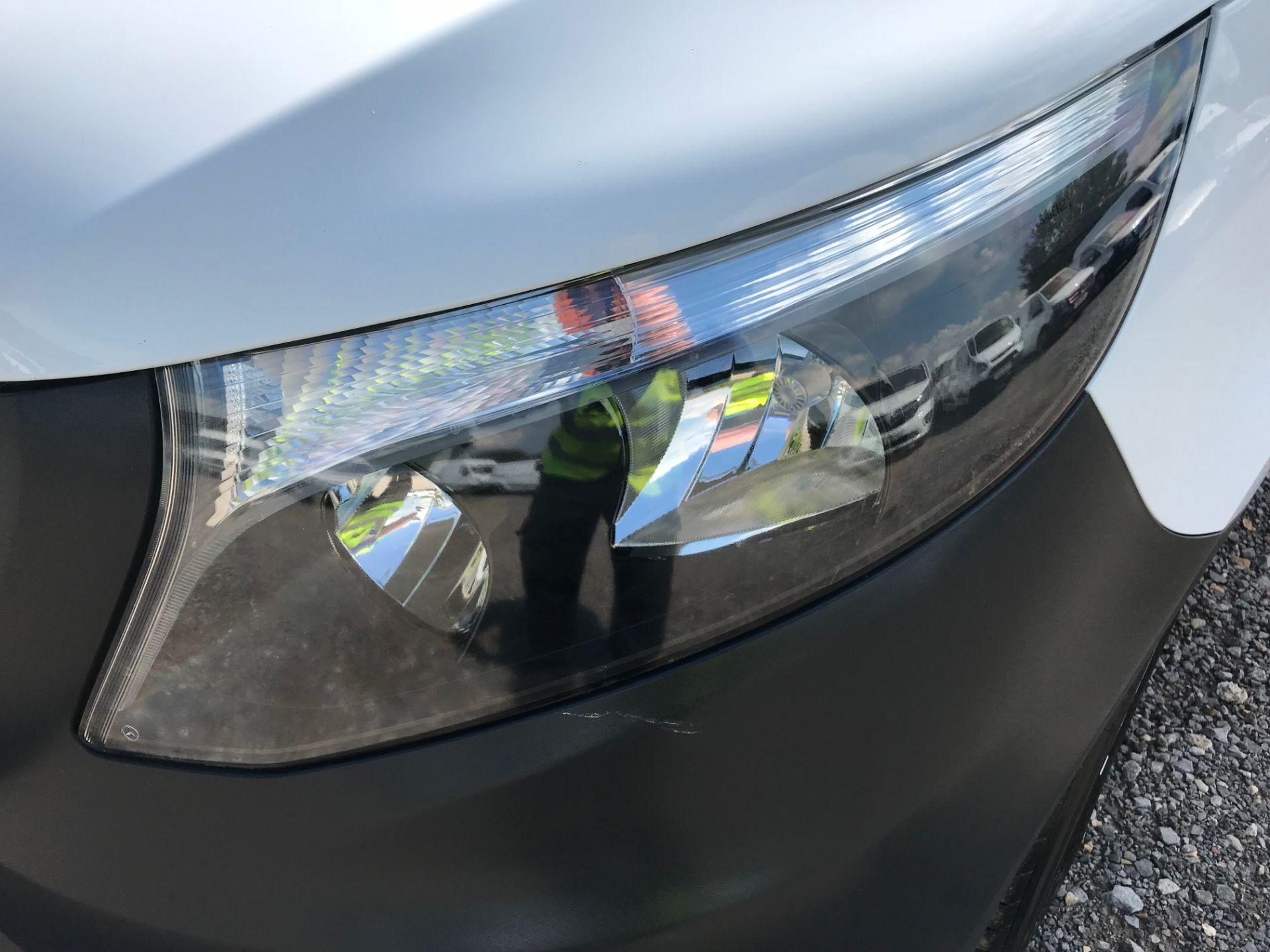 2017 Mercedes-Benz Vito LONG 111CDI VAN EURO 5/6  (KK17KBX) Image 28