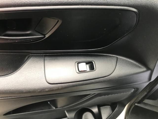 2017 Mercedes-Benz Vito 111Cdi Van LWB Euro 6 (KK17KDZ) Image 28