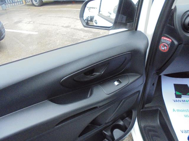 2017 Mercedes-Benz Vito 111Cdi Van (KK17KFE) Image 16
