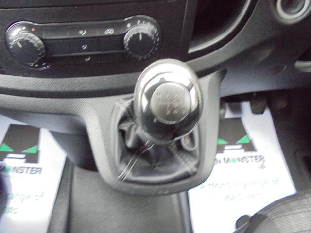 2017 Mercedes-Benz Vito 111Cdi Van (KK17KFE) Image 21