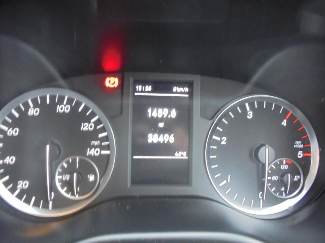 2017 Mercedes-Benz Vito 111Cdi Van (KK17KFE) Image 22