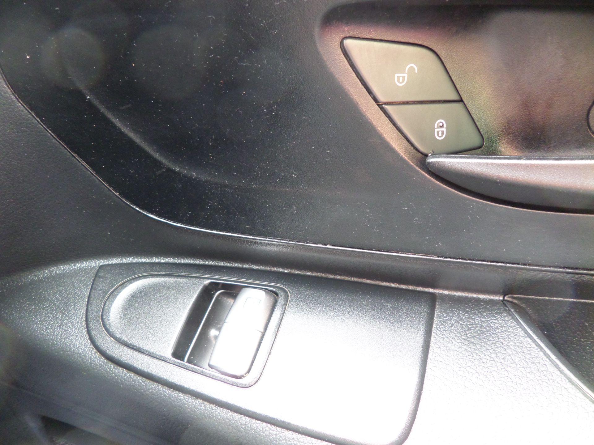 2017 Mercedes-Benz Vito 111Cdi Van LWB Euro 6 (KK17KHV) Image 17