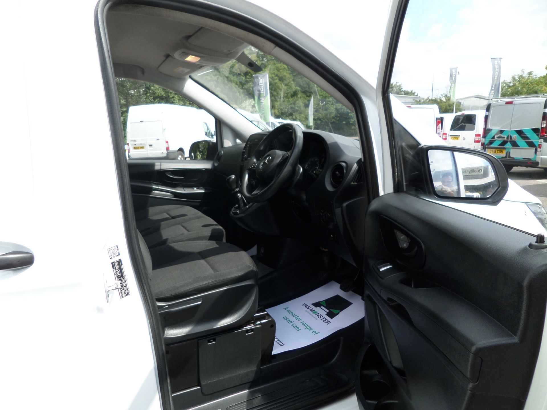 2017 Mercedes-Benz Vito 111Cdi Van LWB Euro 6 (KK17KHV) Image 12