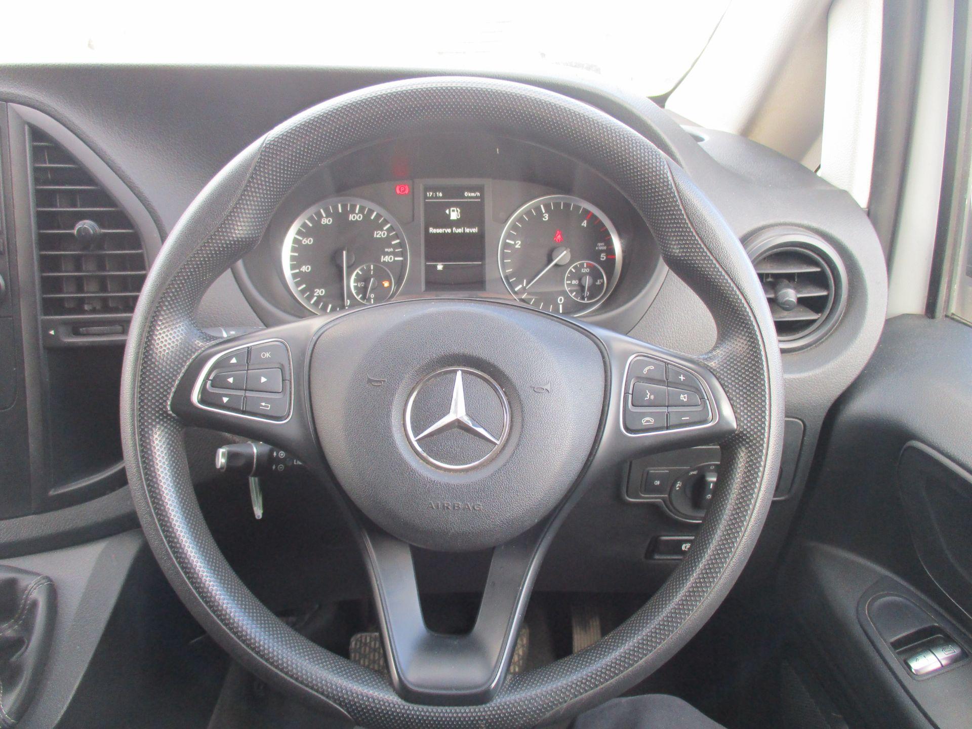2017 Mercedes-Benz Vito LONG 111 CDI VAN EURO 6 (KK17KJE) Image 17