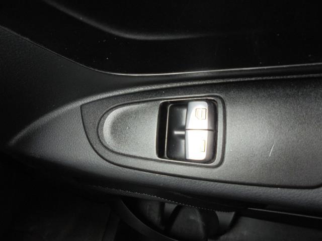 2017 Mercedes-Benz Vito 111Cdi Van (KK17KMA) Image 27