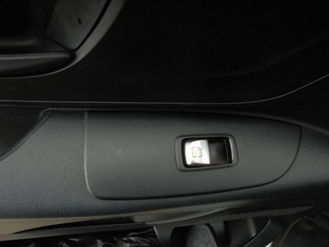 2017 Mercedes-Benz Vito 111Cdi Van (KK17KMA) Image 15