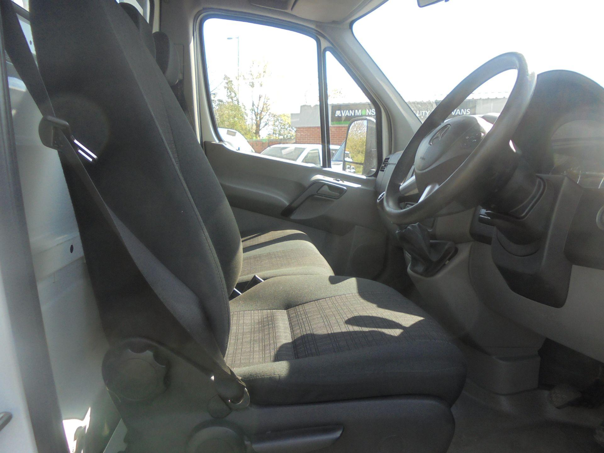 2017 Mercedes-Benz Sprinter 3.5T Single Cab Drop Side (KK17PFJ) Image 10