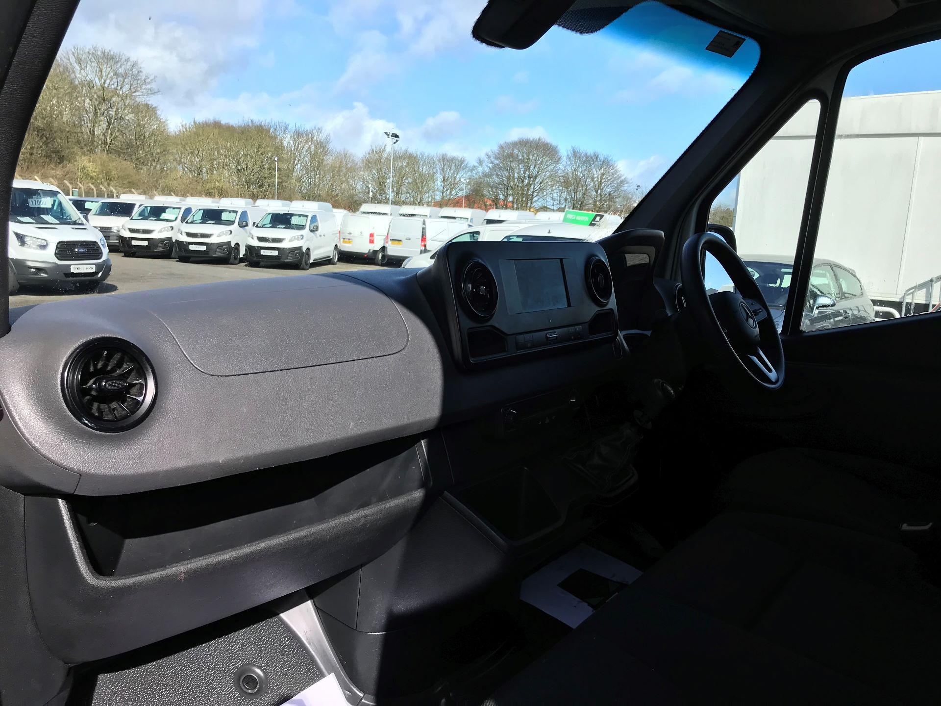 2018 Mercedes-Benz Sprinter 314 MWB H/R VAN EURO 6 (KK18TVA) Image 16
