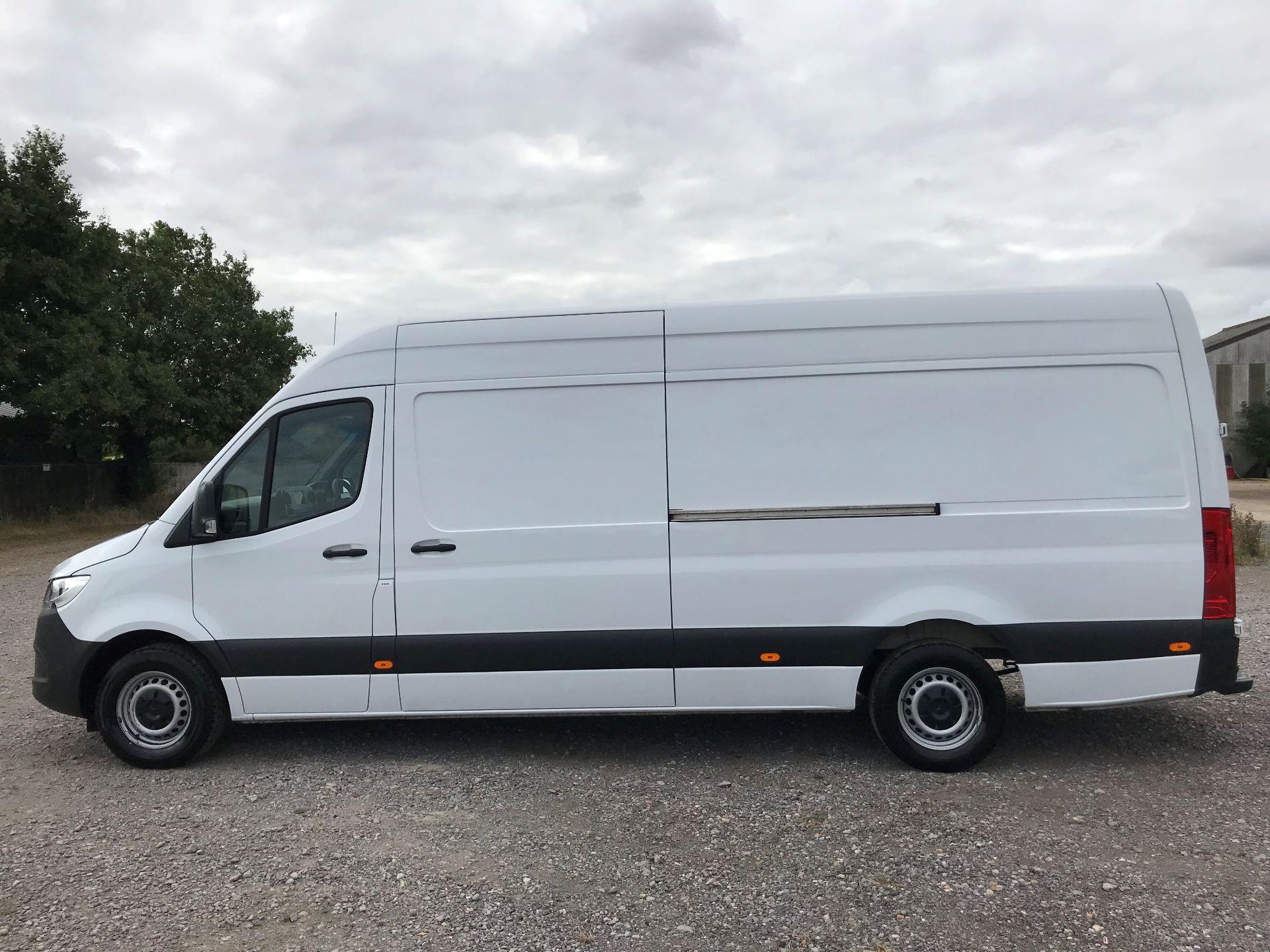 2018 Mercedes-Benz Sprinter 314CDI L3 H2 Van (KL18FKT) Image 10