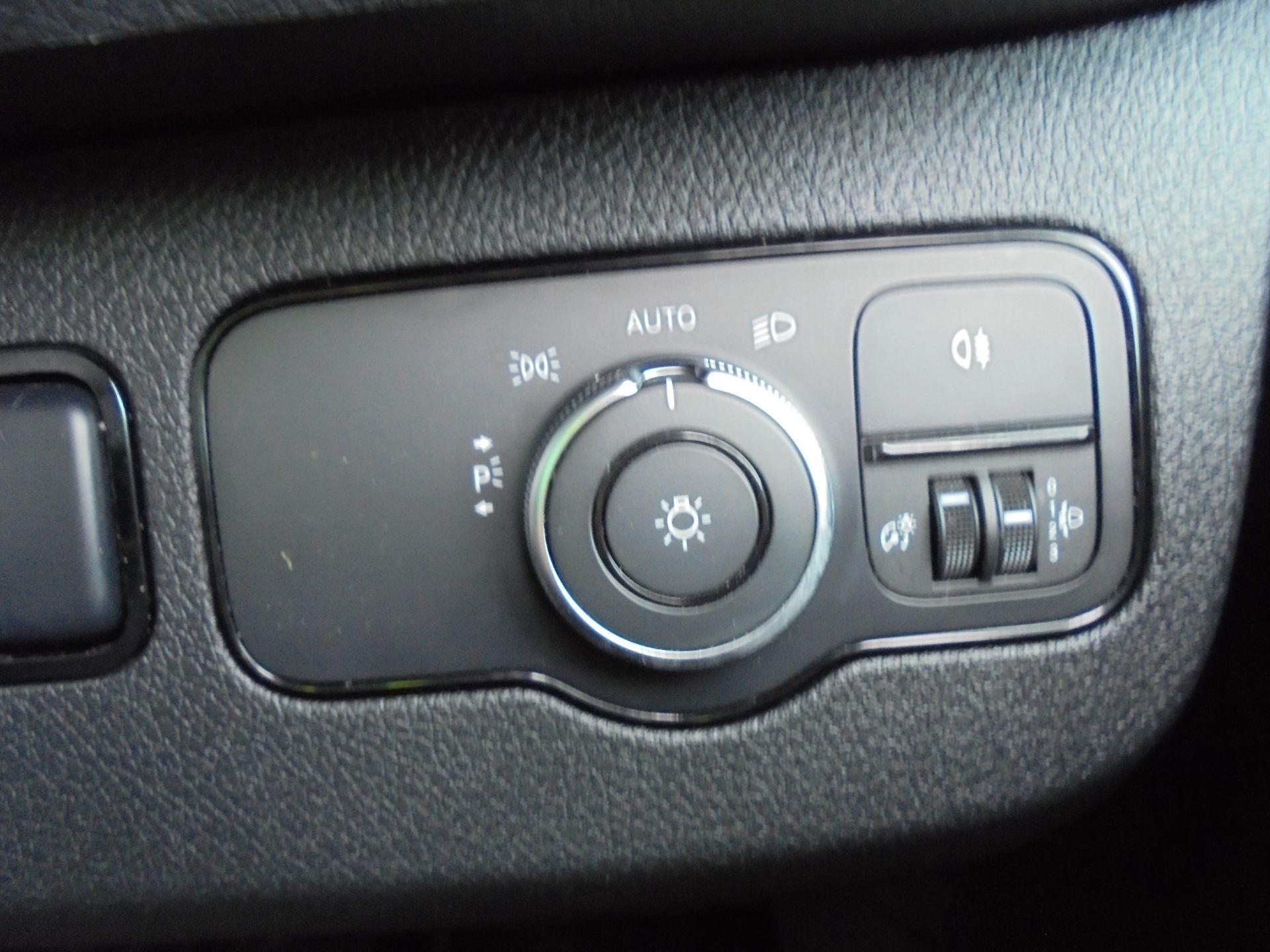 2018 Mercedes-Benz Sprinter 3.5T H2 Van NEW SHAPE  (KL18FPY) Image 16