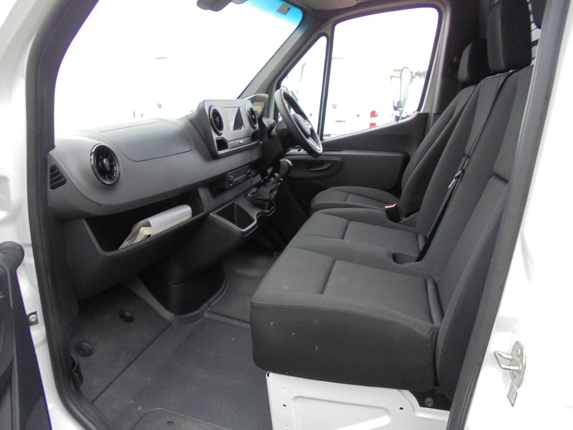 2018 Mercedes-Benz Sprinter 3.5T H2 Van NEW SHAPE  (KL18FPY) Image 21