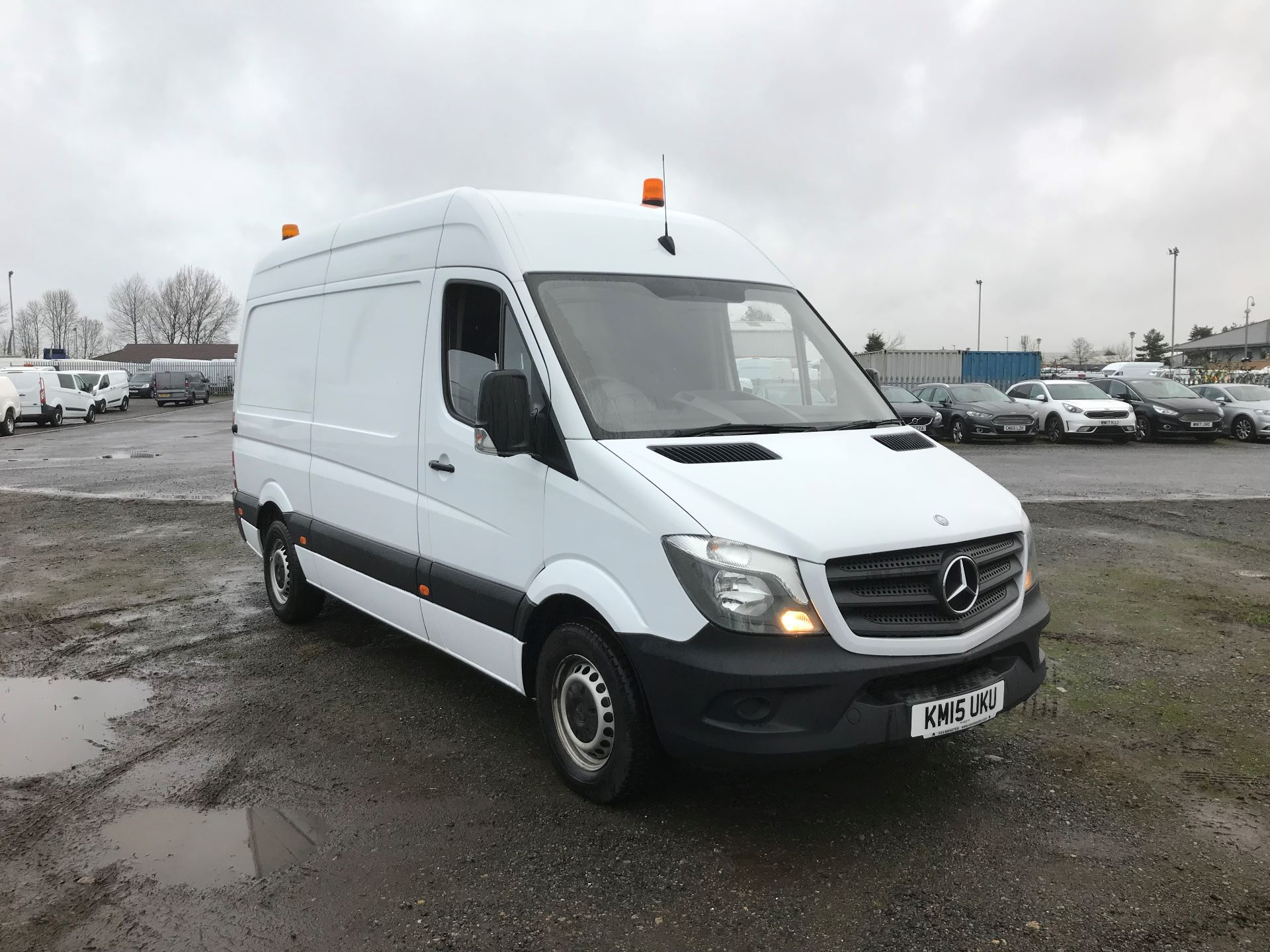 2015 Mercedes-Benz Sprinter 3.5T High Roof Van (KM15UKU)