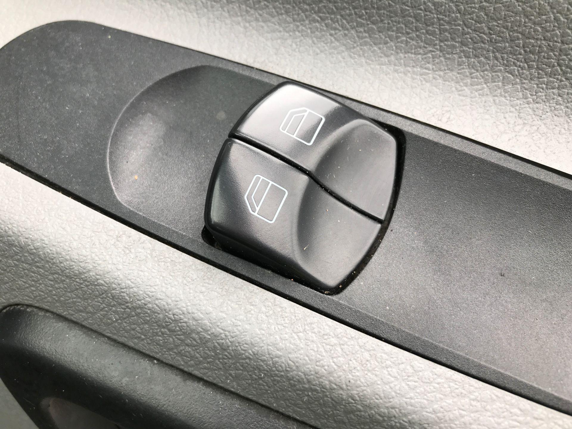 2016 Mercedes-Benz Sprinter 313CDI LWB HIGH ROOF 130PS EURO 5 (KM16KHG) Image 24