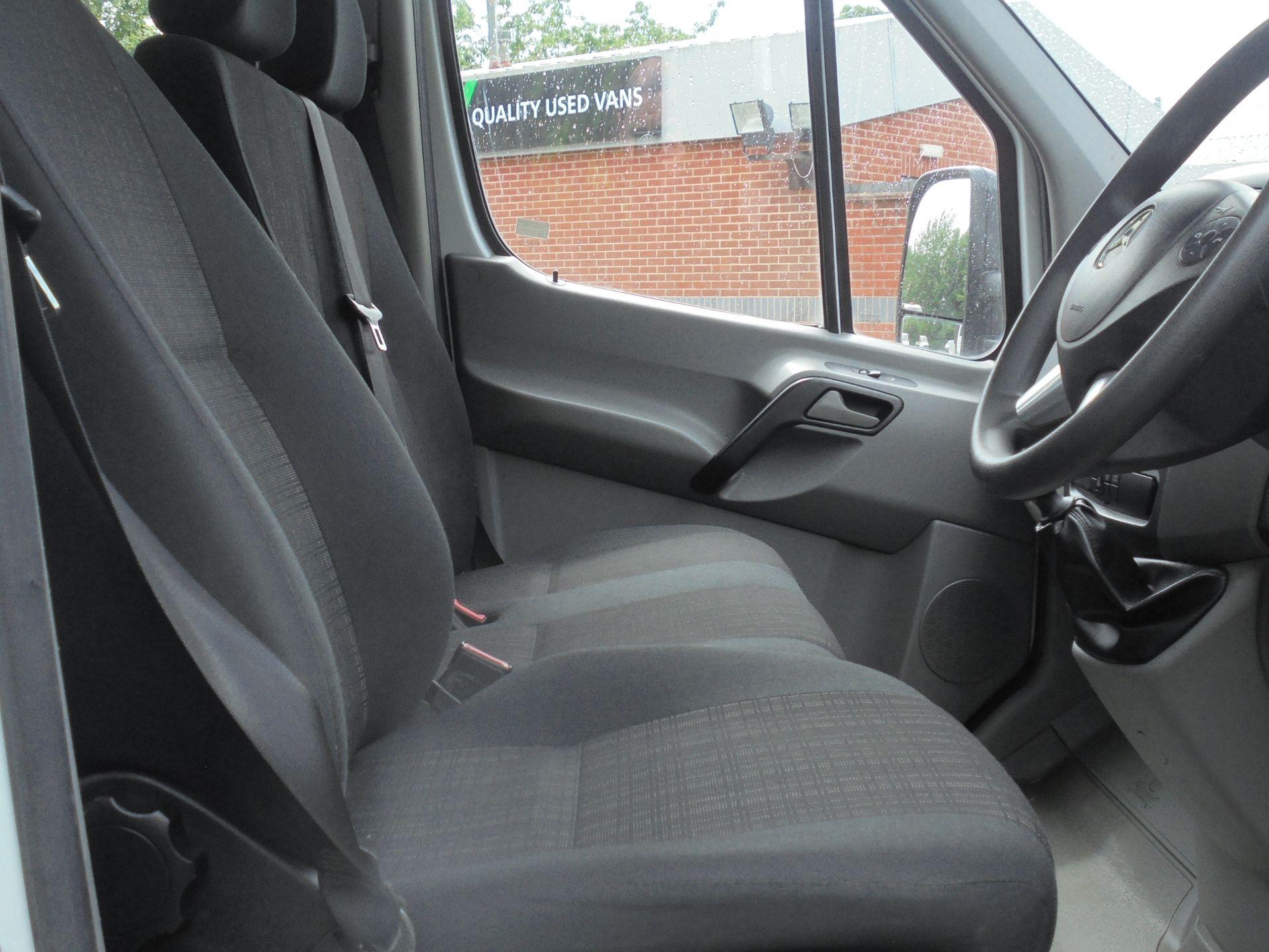 2017 Mercedes-Benz Sprinter 3.5T Crew Cab TIPPER (KM17FNU) Image 12
