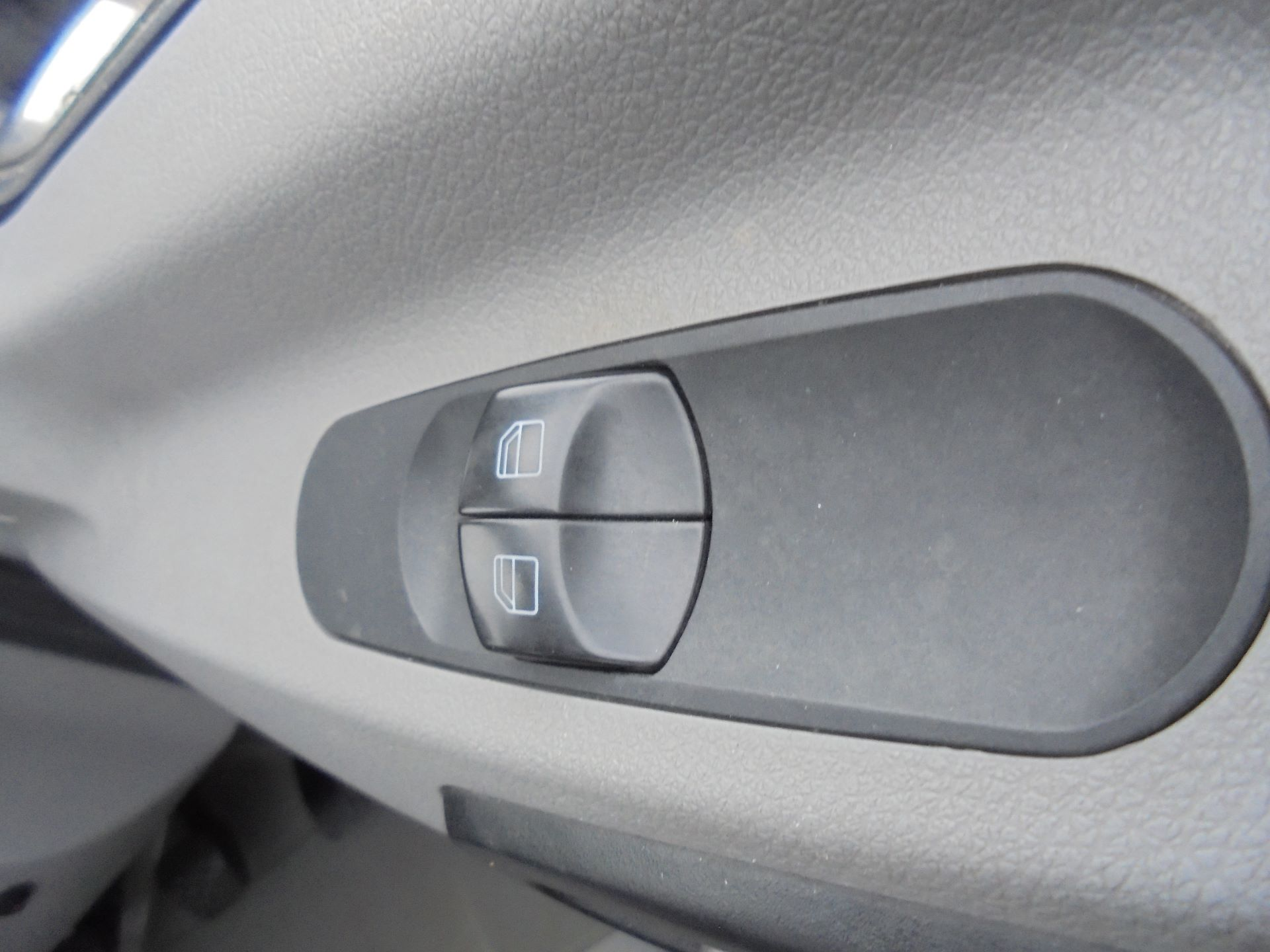 2017 Mercedes-Benz Sprinter 314 CDI LWB S/C DROPSIDE (KM17FNZ) Image 18