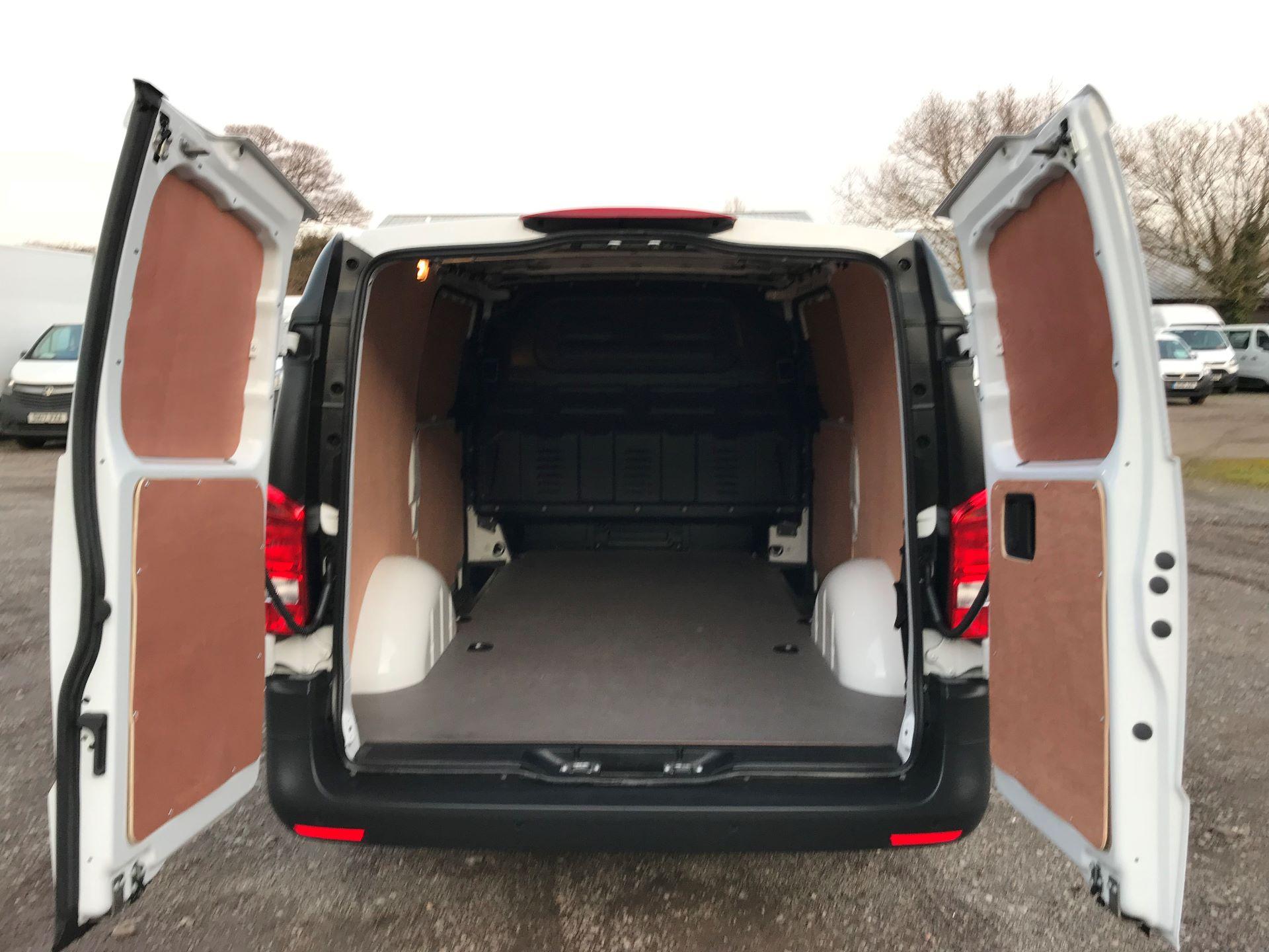 2019 Mercedes-Benz Vito 111Cdi Van (KM19BSA) Image 10