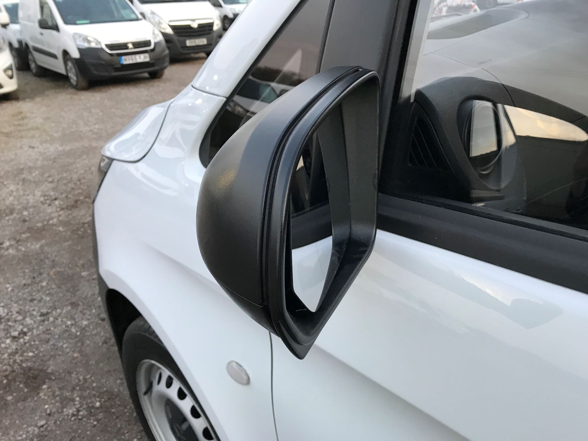 2019 Mercedes-Benz Vito 111Cdi Van (KM19BSA) Image 27