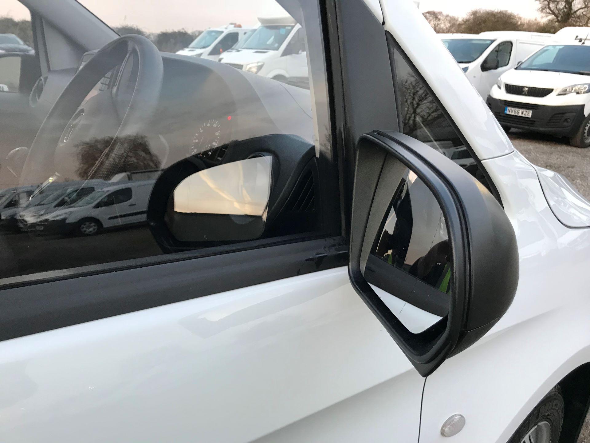 2019 Mercedes-Benz Vito 111Cdi Van (KM19BSA) Image 26