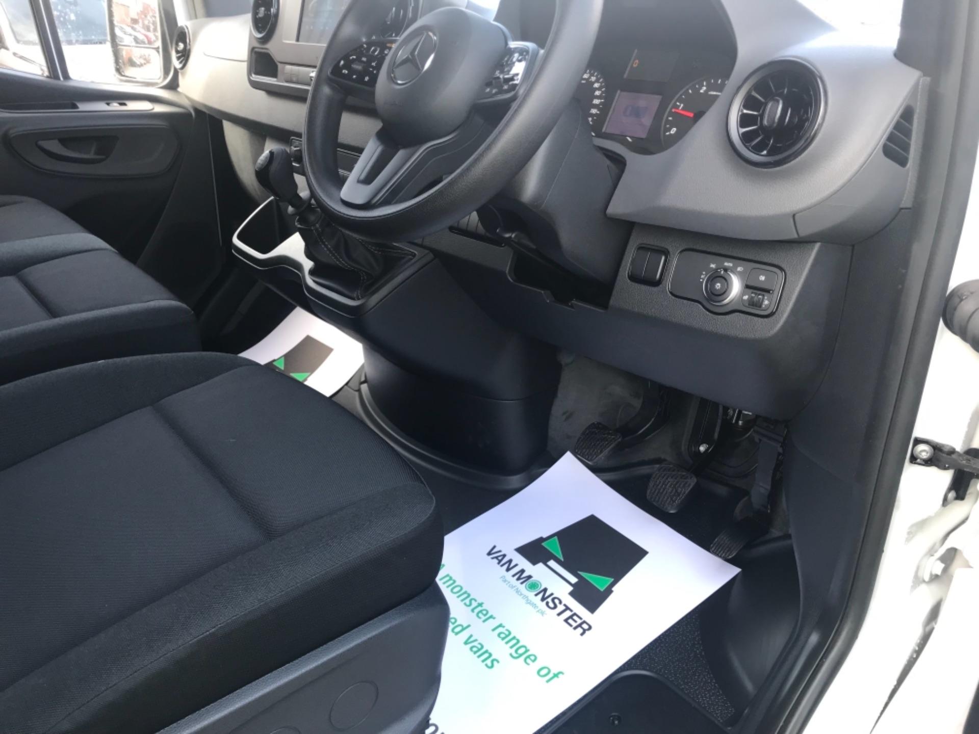 2019 Mercedes-Benz Sprinter  314 CDI MWB 3.5t 143PS EURO 6 (KM19TLL) Image 8