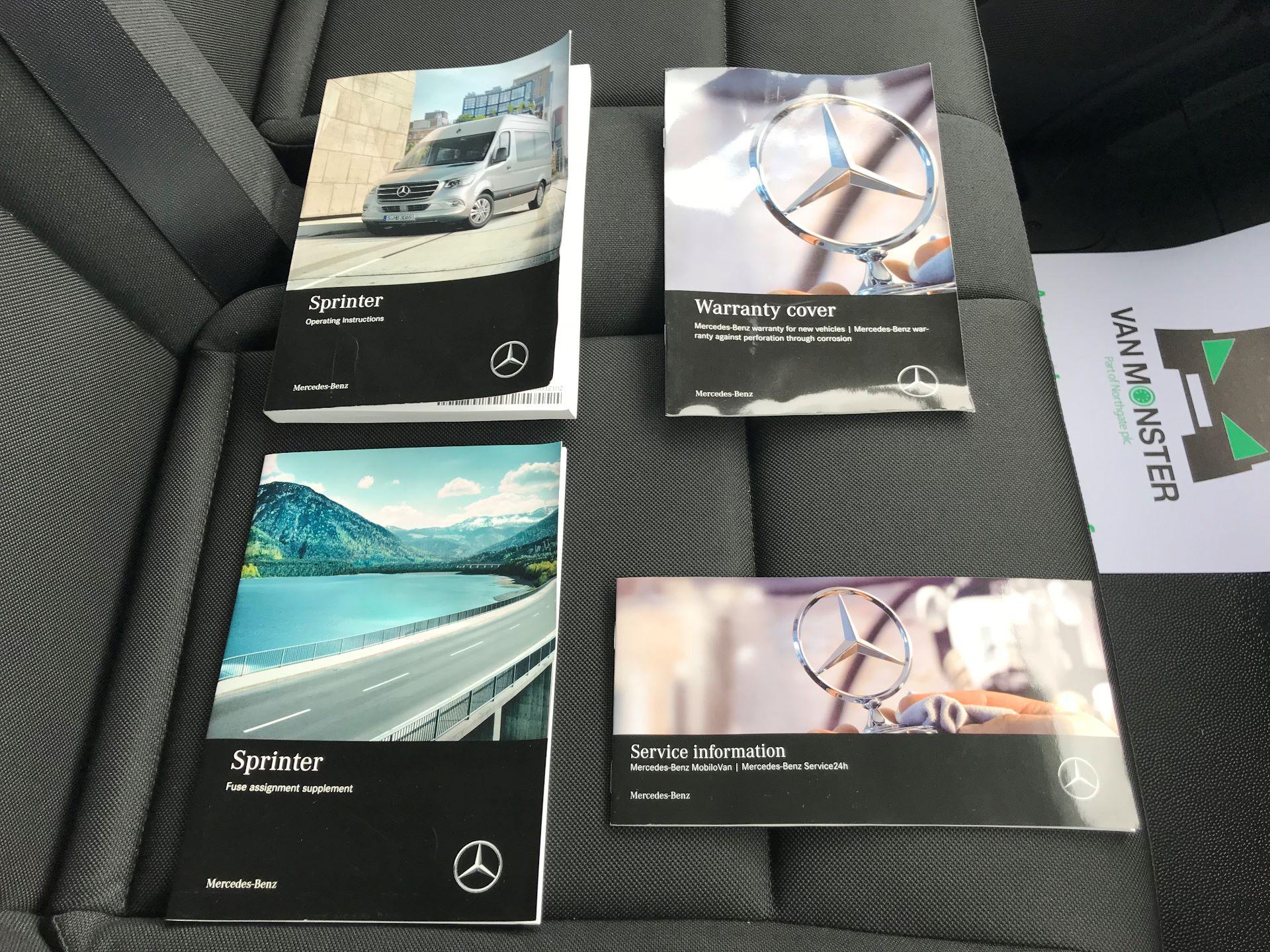 2019 Mercedes-Benz Sprinter 3.5T L2 H2 FWD Van (KM19TML) Image 31