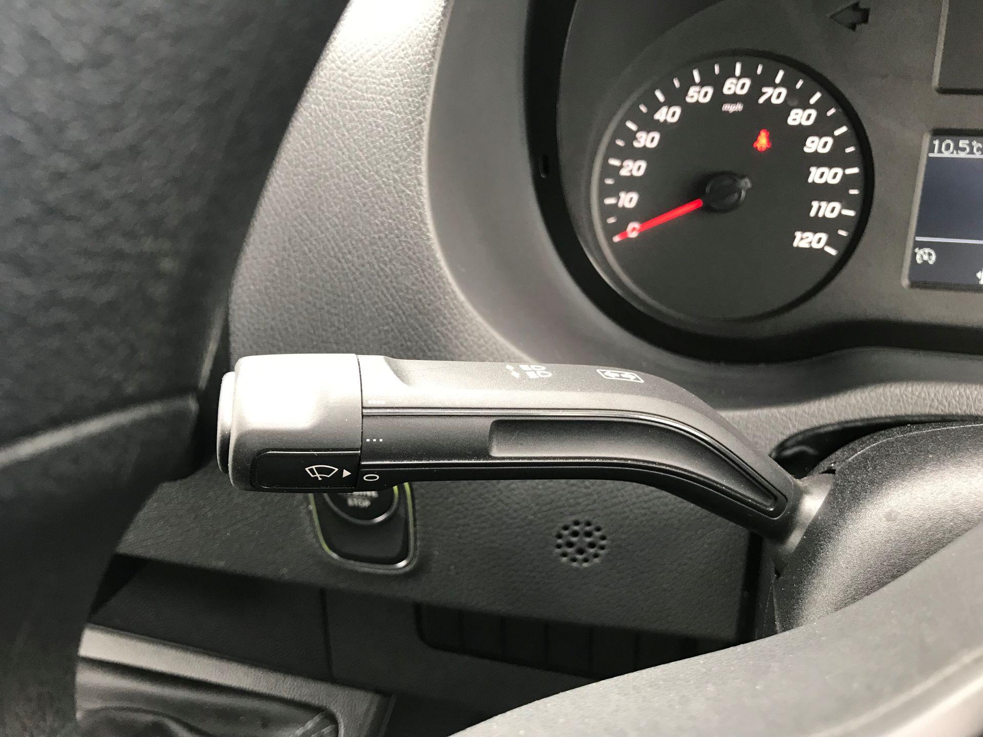 2019 Mercedes-Benz Sprinter 3.5T L2 H2 FWD Van (KM19TML) Image 27