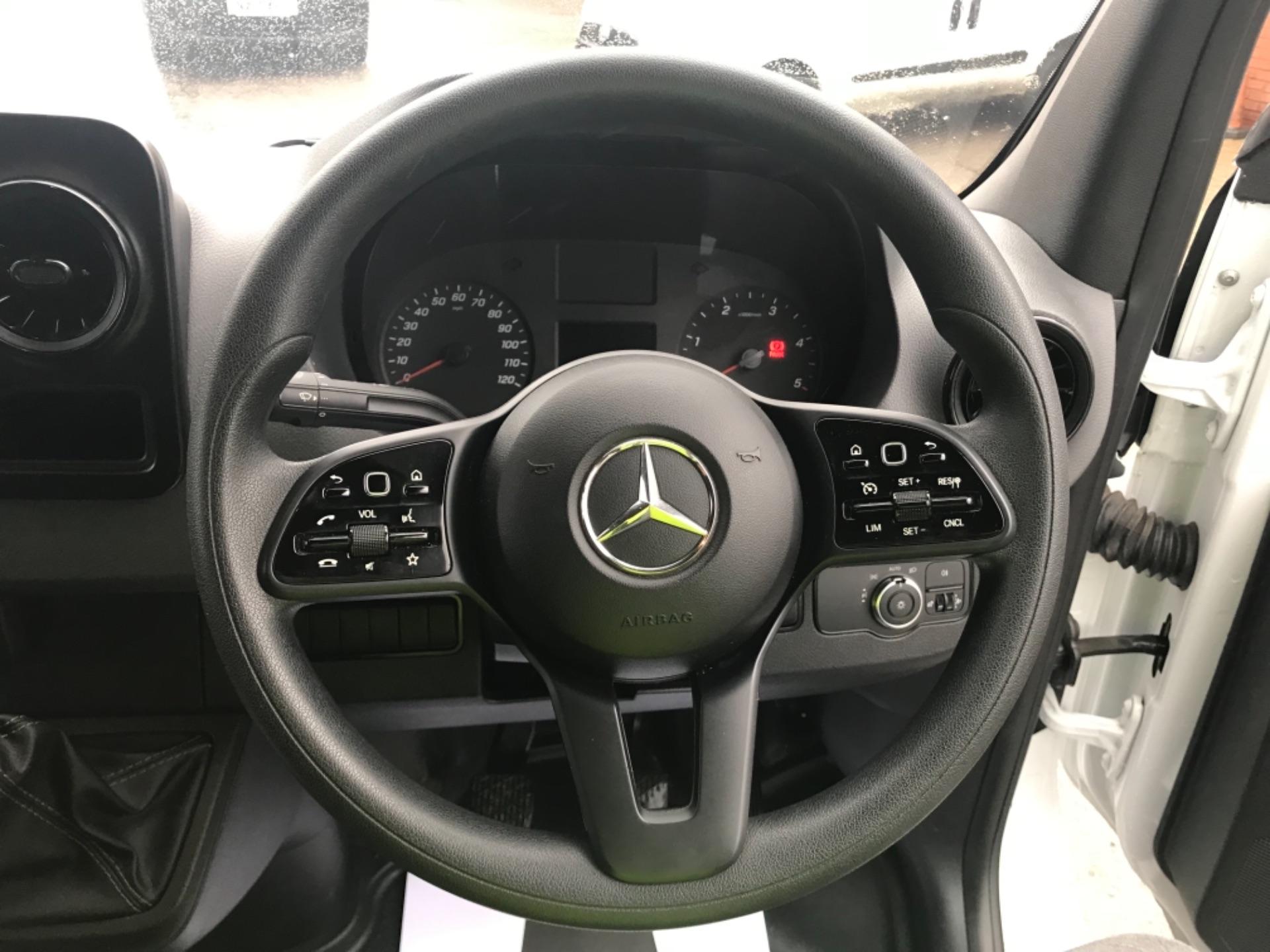 2019 Mercedes-Benz Sprinter 314 CDI 3.5T H2 Van MWB (KM19TNB) Image 13