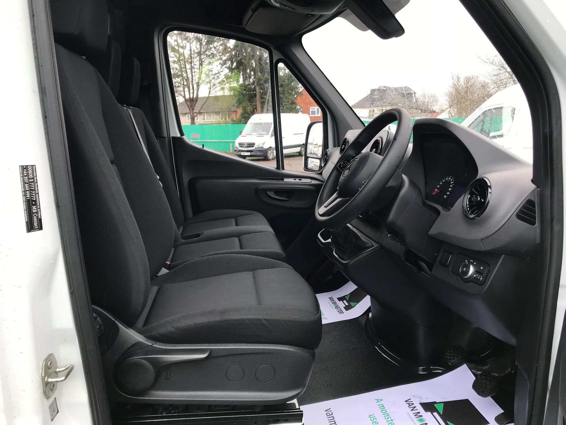 2019 Mercedes-Benz Sprinter  314 MWB H/R VAN EURO 6 (KM19TND) Image 22