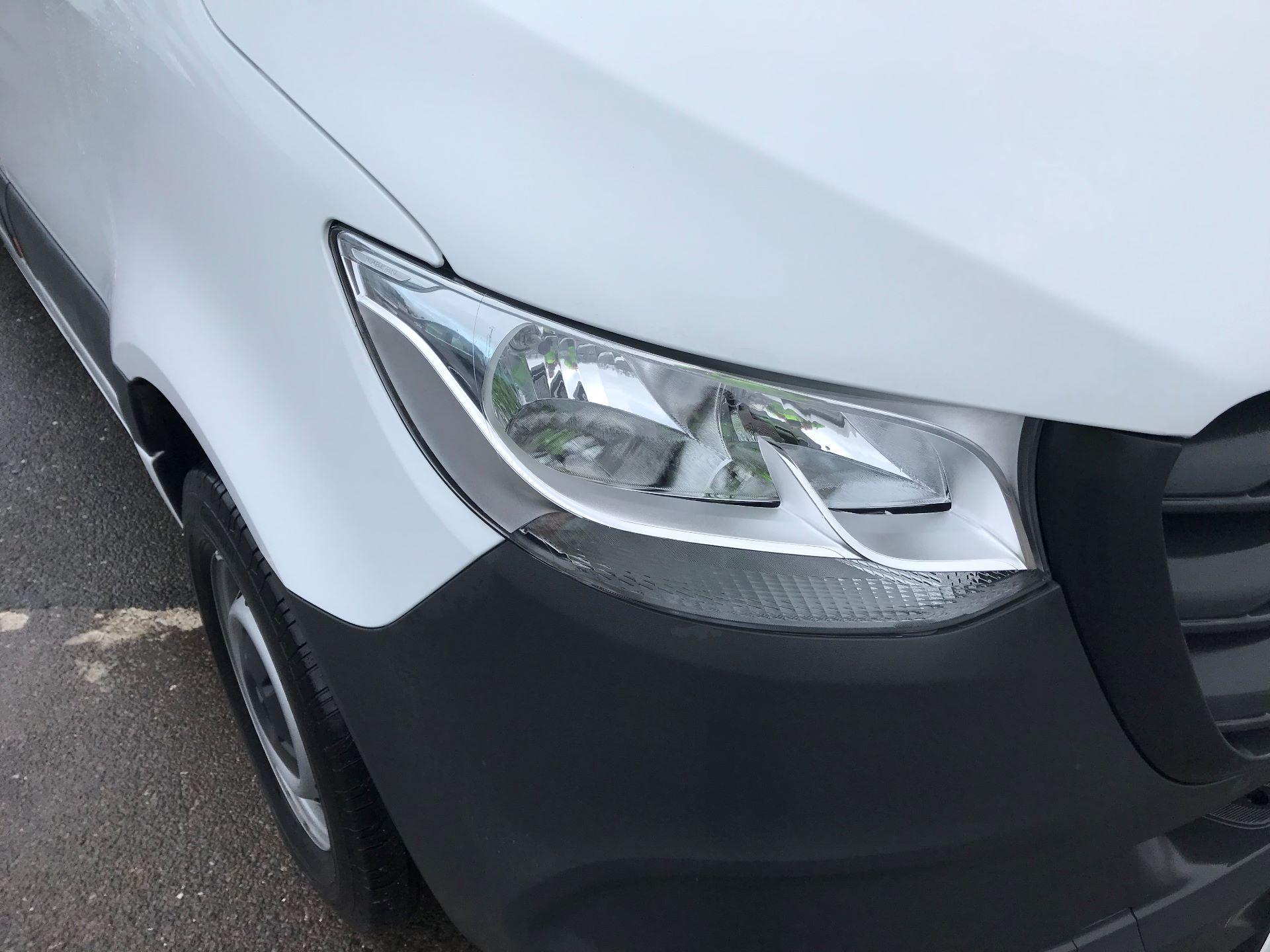 2019 Mercedes-Benz Sprinter  314 MWB H/R VAN EURO 6 (KM19TND) Image 16
