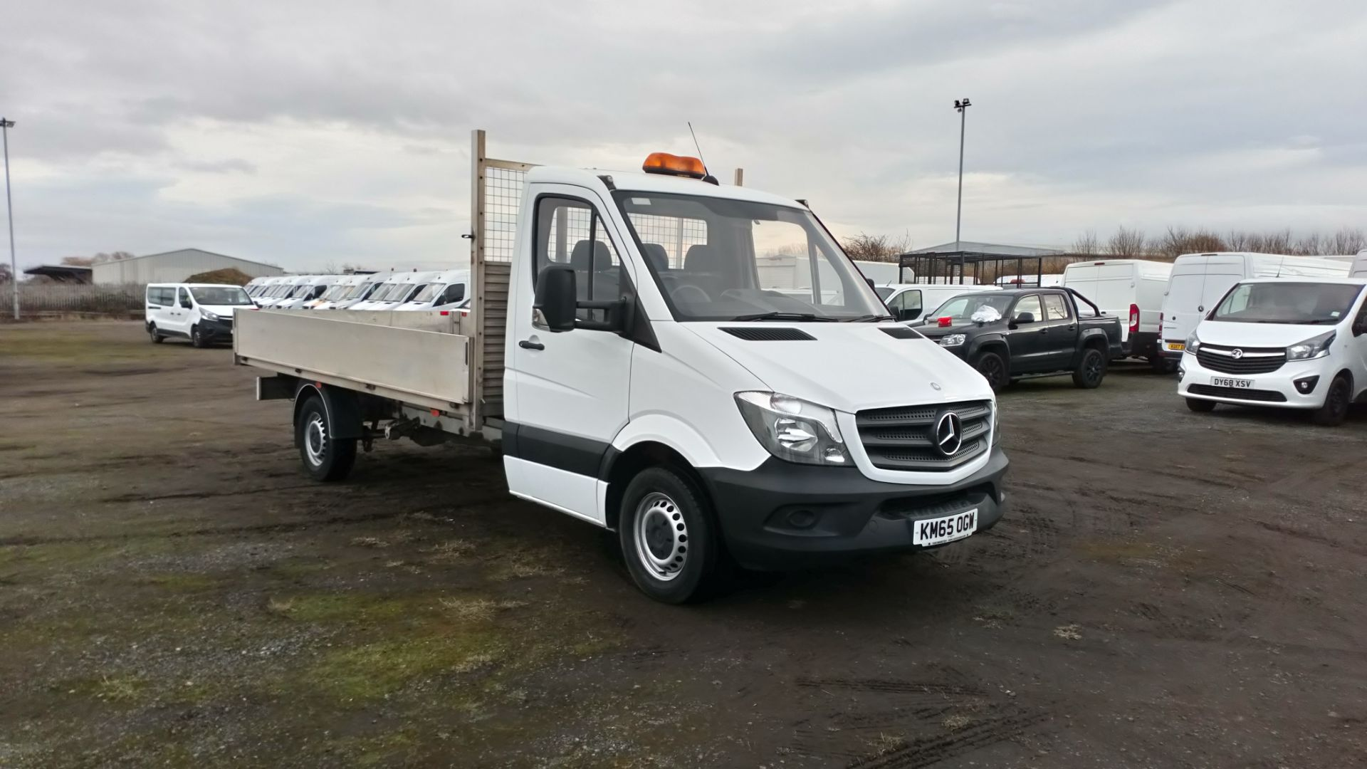 2015 Mercedes-Benz Sprinter 3.5T Chassis Cab (KM65OGW)