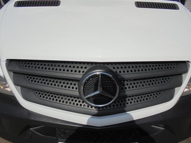 2015 Mercedes-Benz Sprinter 313 MWB H/R EURO 5 (KM65OHL) Image 4