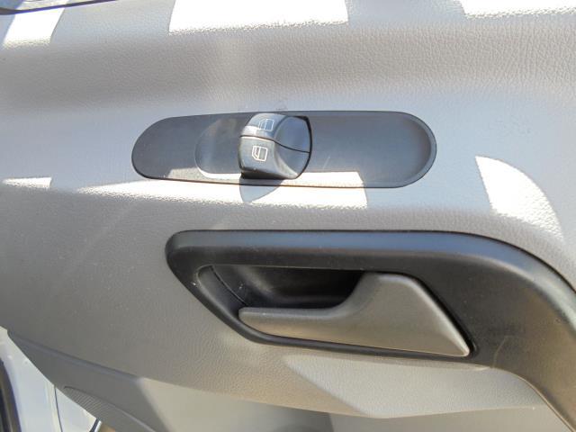 2015 Mercedes-Benz Sprinter 313 MWB H/R EURO 5 (KM65OHL) Image 6