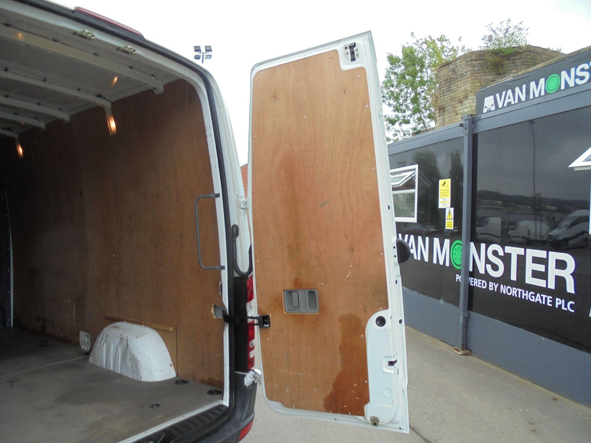 2015 Mercedes-Benz Sprinter 3.5T High Roof Van (KM65OLG) Image 22