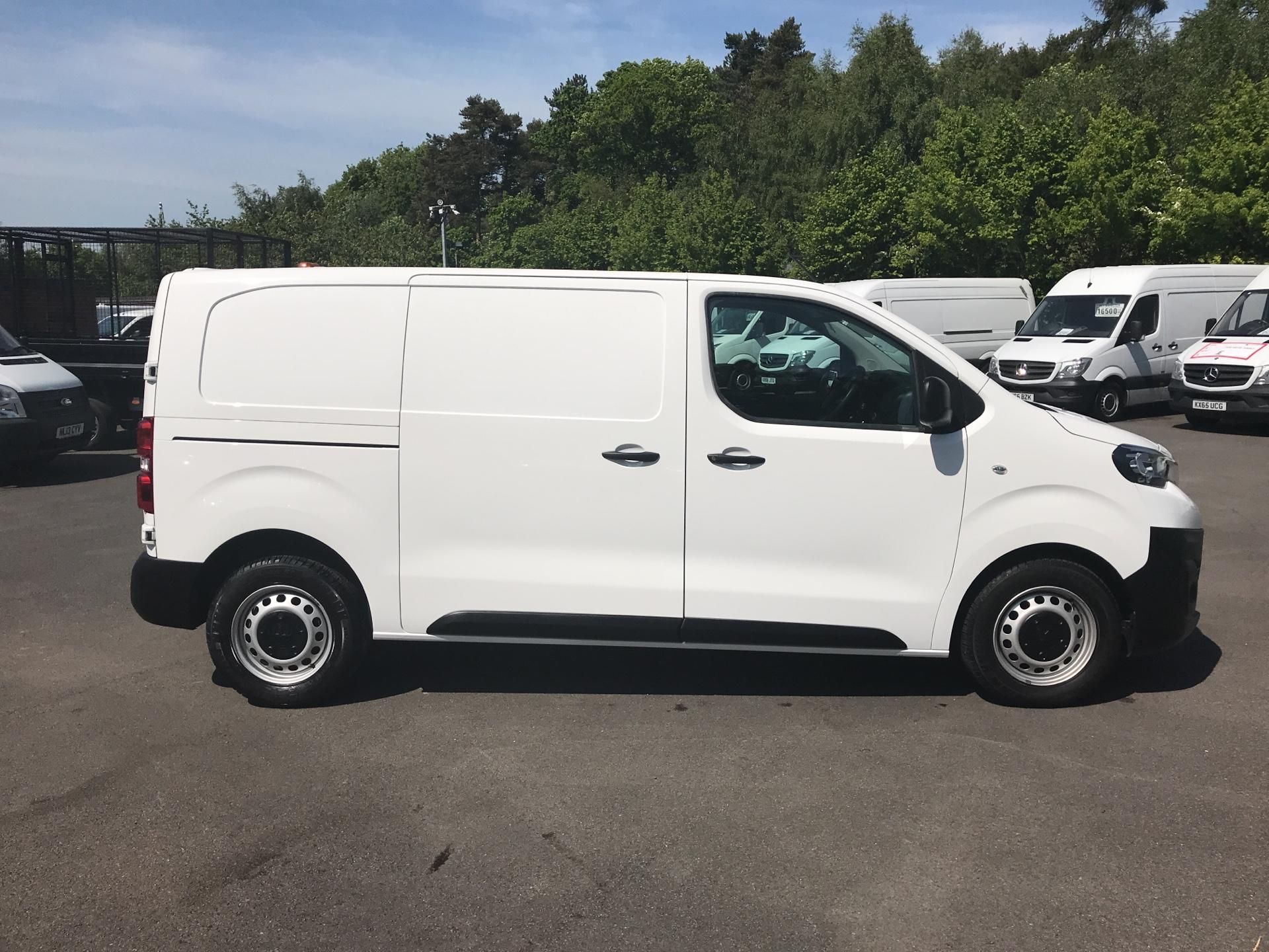 2016 Peugeot Expert 1400 2.0 Bluehdi 120 Professional Van (KM66SVD) Image 2