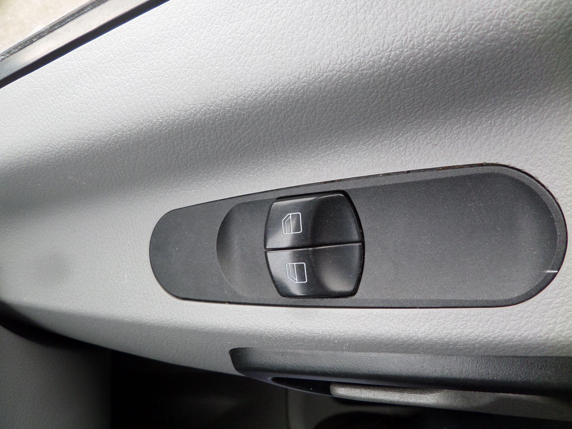 2017 Mercedes-Benz Sprinter 314 CDI MWB Euro 6 (KM67AZC) Image 15