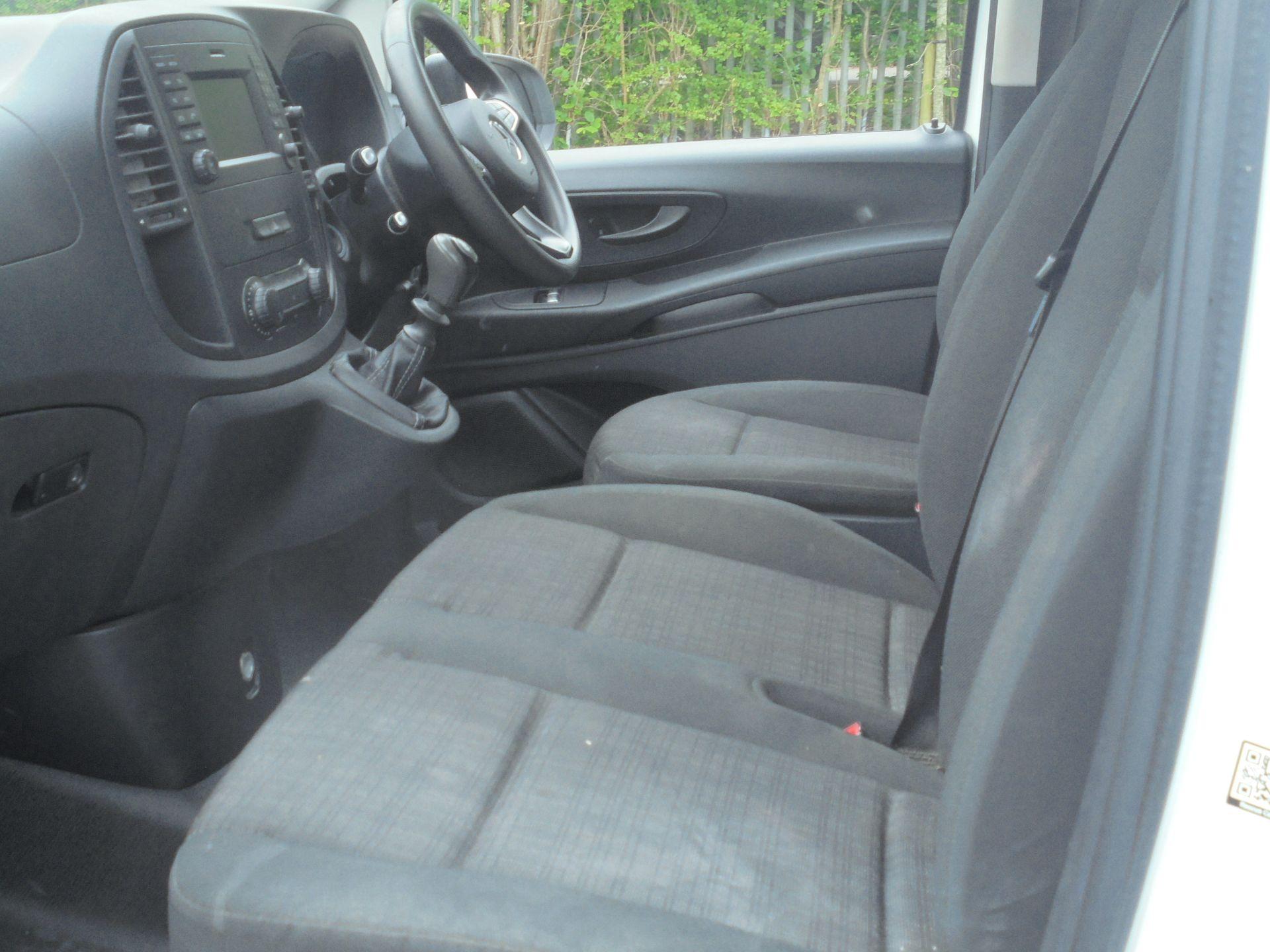 2017 Mercedes-Benz Vito 111Cdi Van (KM67AZZ) Image 5