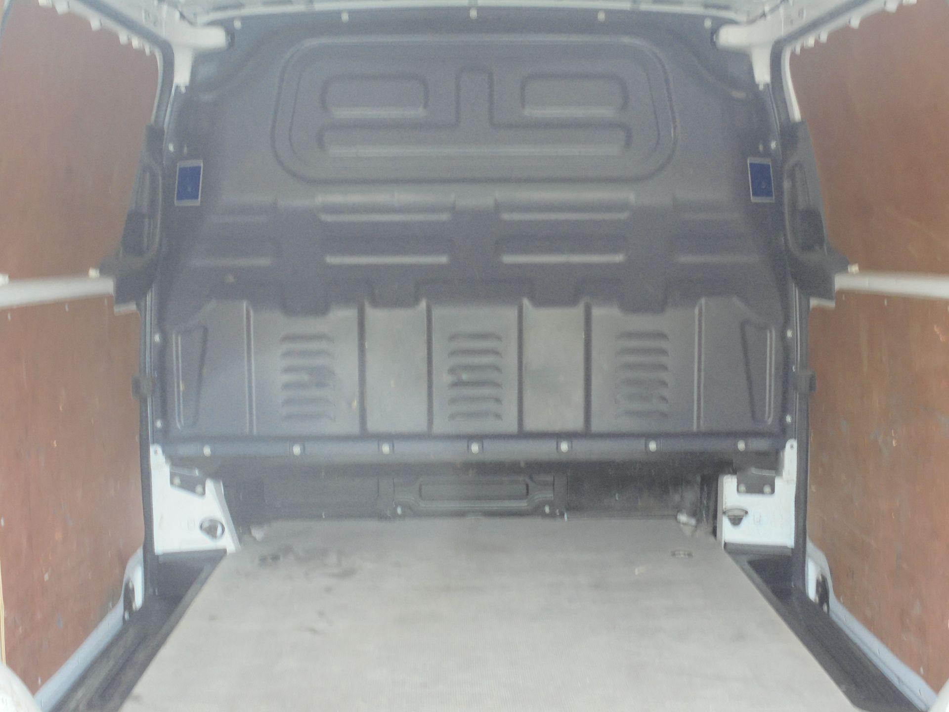 2017 Mercedes-Benz Vito 111Cdi Van (KM67AZZ) Image 10