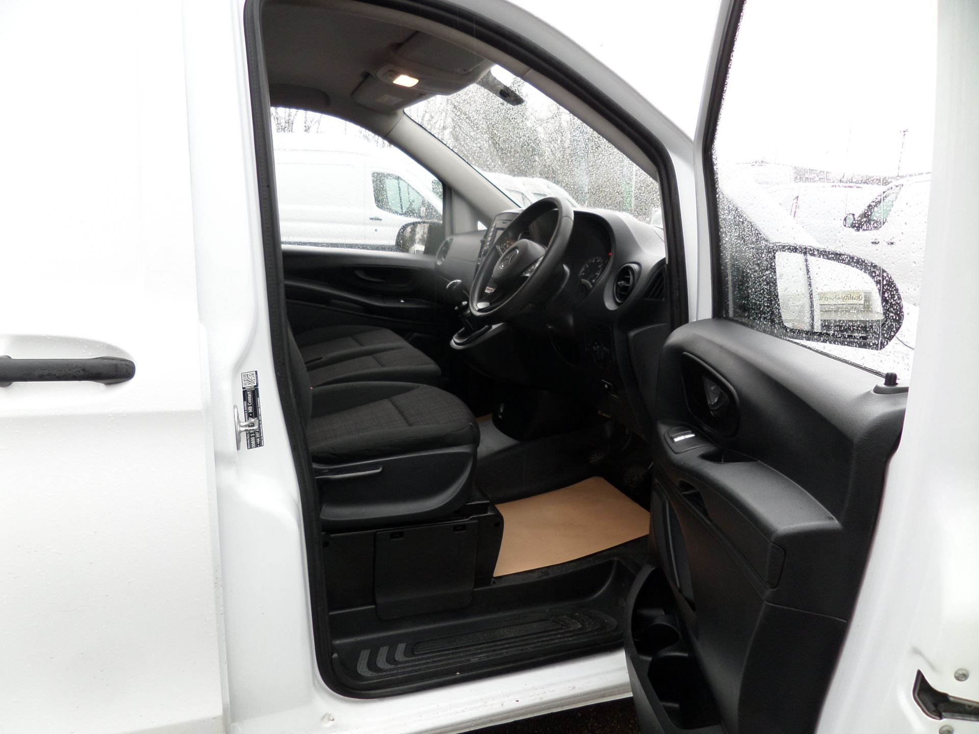 2017 Mercedes-Benz Vito 111Cdi Van LWB Euro 6 (KM67BCO) Image 12