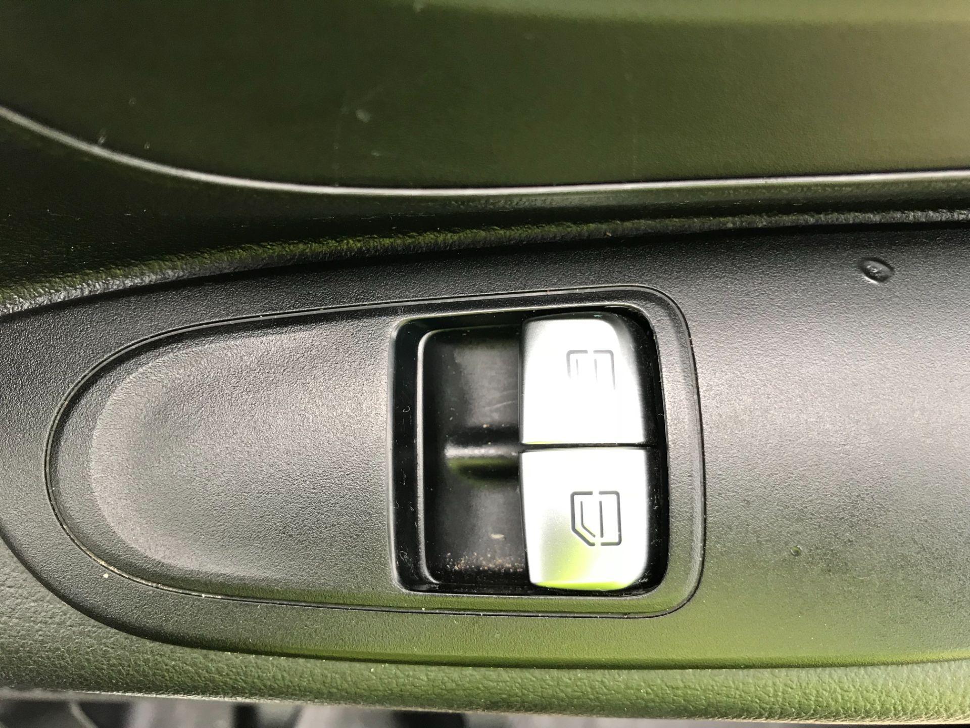 2017 Mercedes-Benz Vito LONG 111CDI VAN EURO 6  (KM67BCV) Image 30