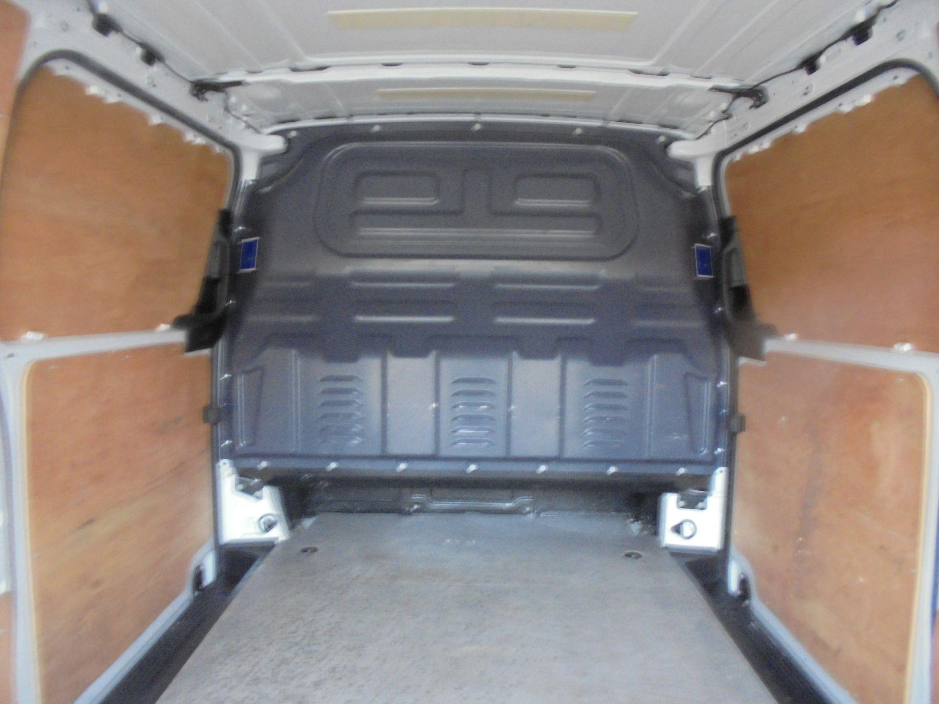 2017 Mercedes-Benz Vito 111Cdi Van (KM67BFX) Image 10