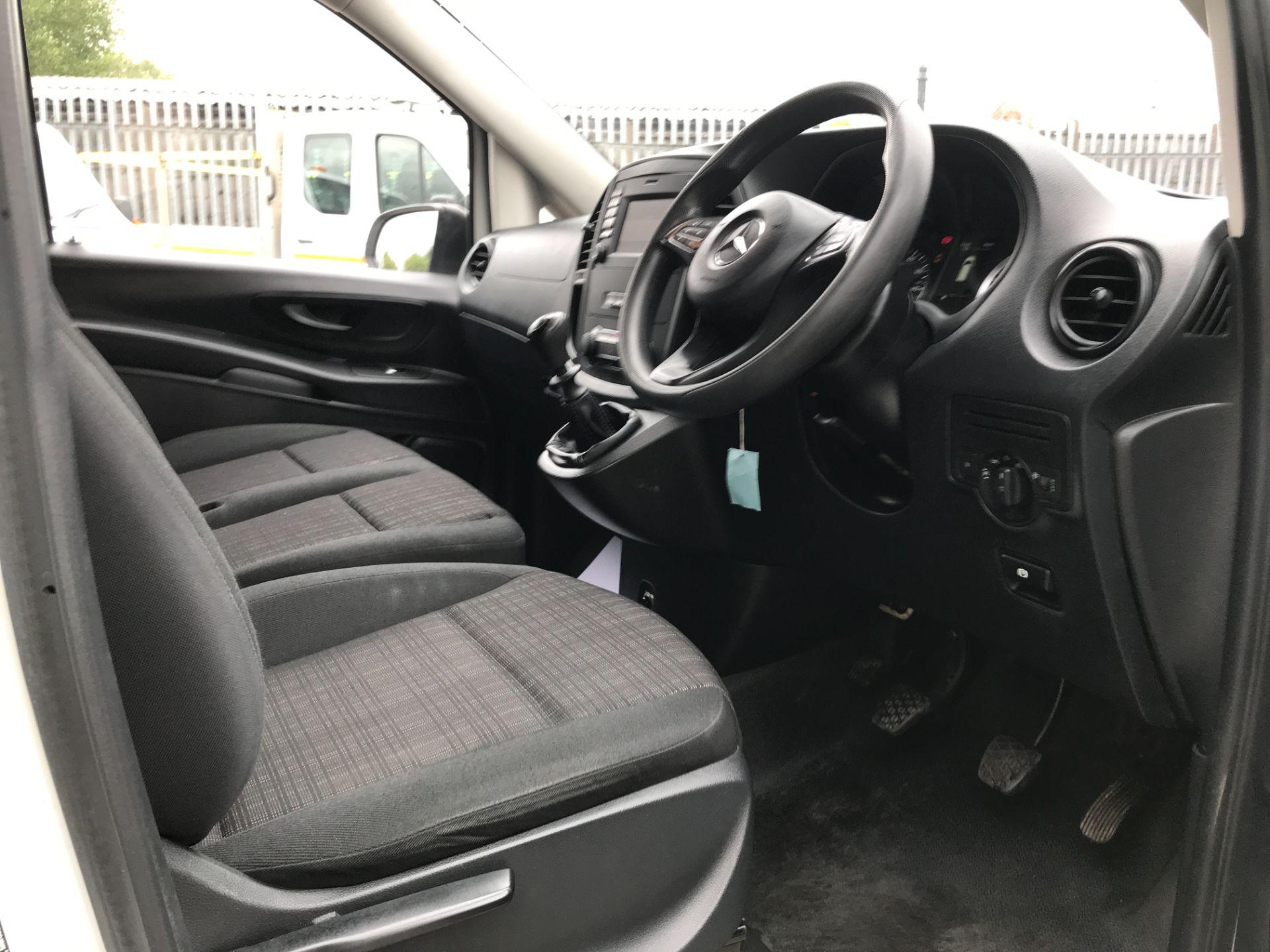 2017 Mercedes-Benz Vito 111CDI LWB 110PS EURO 6 (KM67BHD) Image 17
